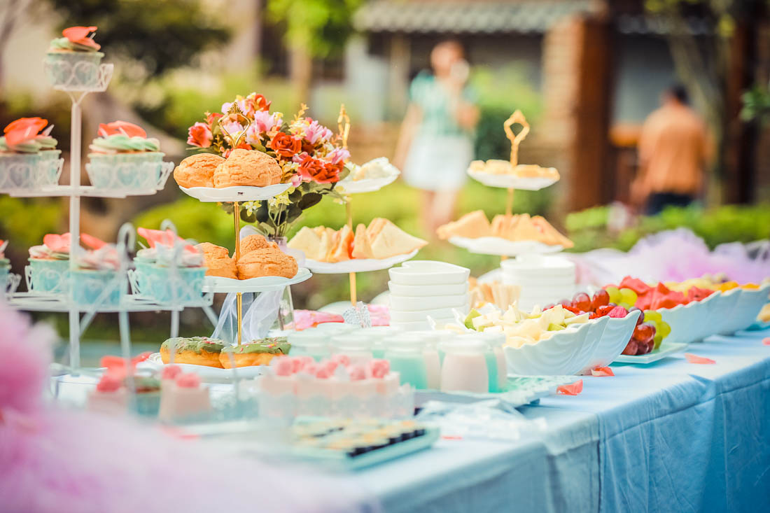 Your Guide To Planning A Summer Garden Party | Melissa ...